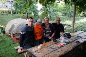 Read more about the article Im Garten von Vesna und den Pferden